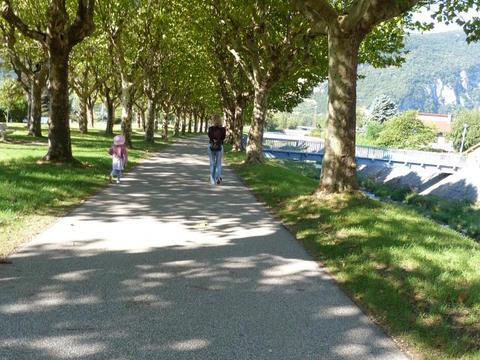 Promenade de Roize, une voie verte où il fait bon flâner